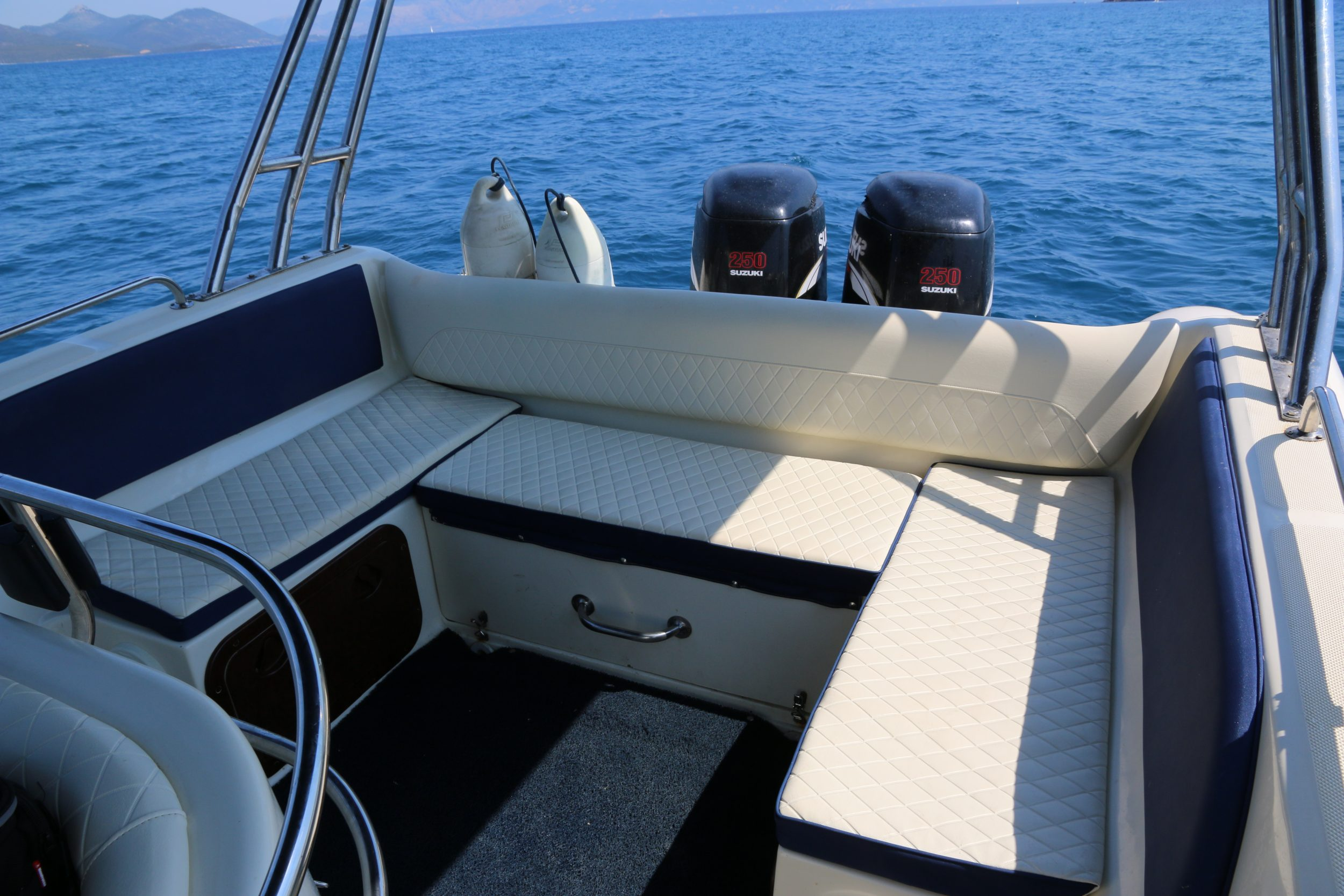Trident boats Joy 4 Rib rental