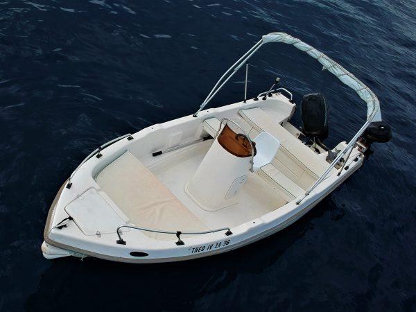 Rent a boat Lefkada